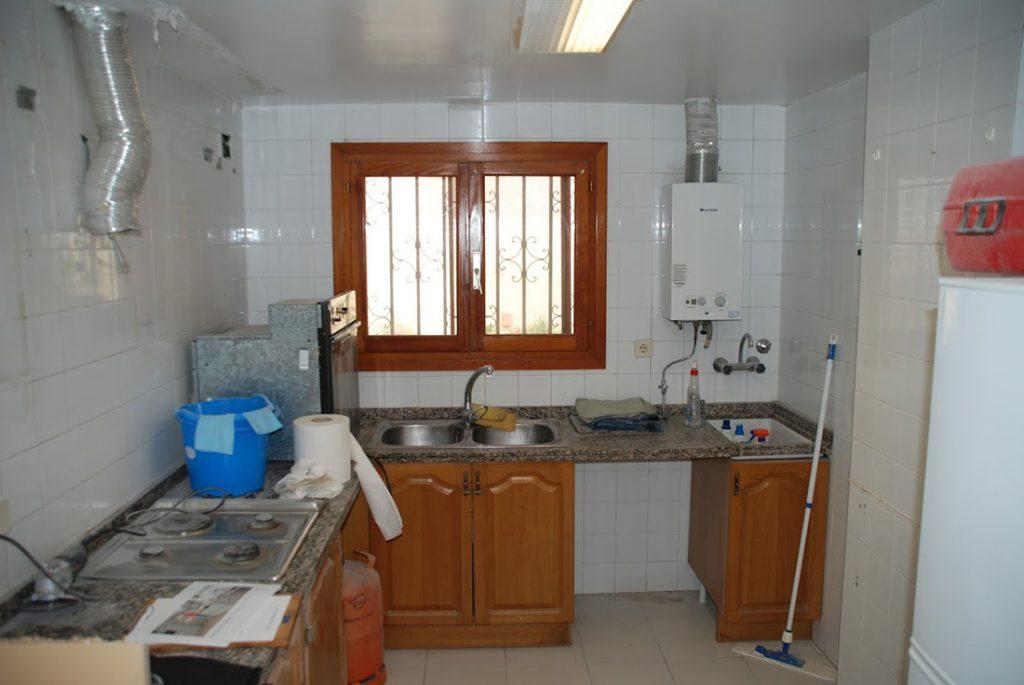 Kitchen 2: Before