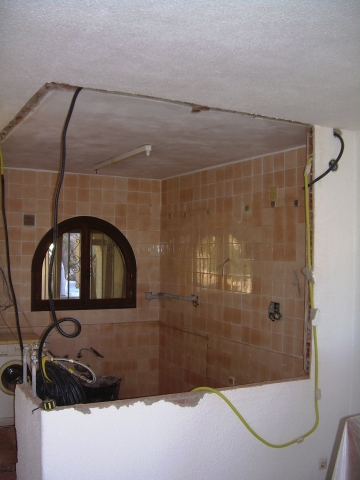 removing the walls for the kitchen refit in Altea