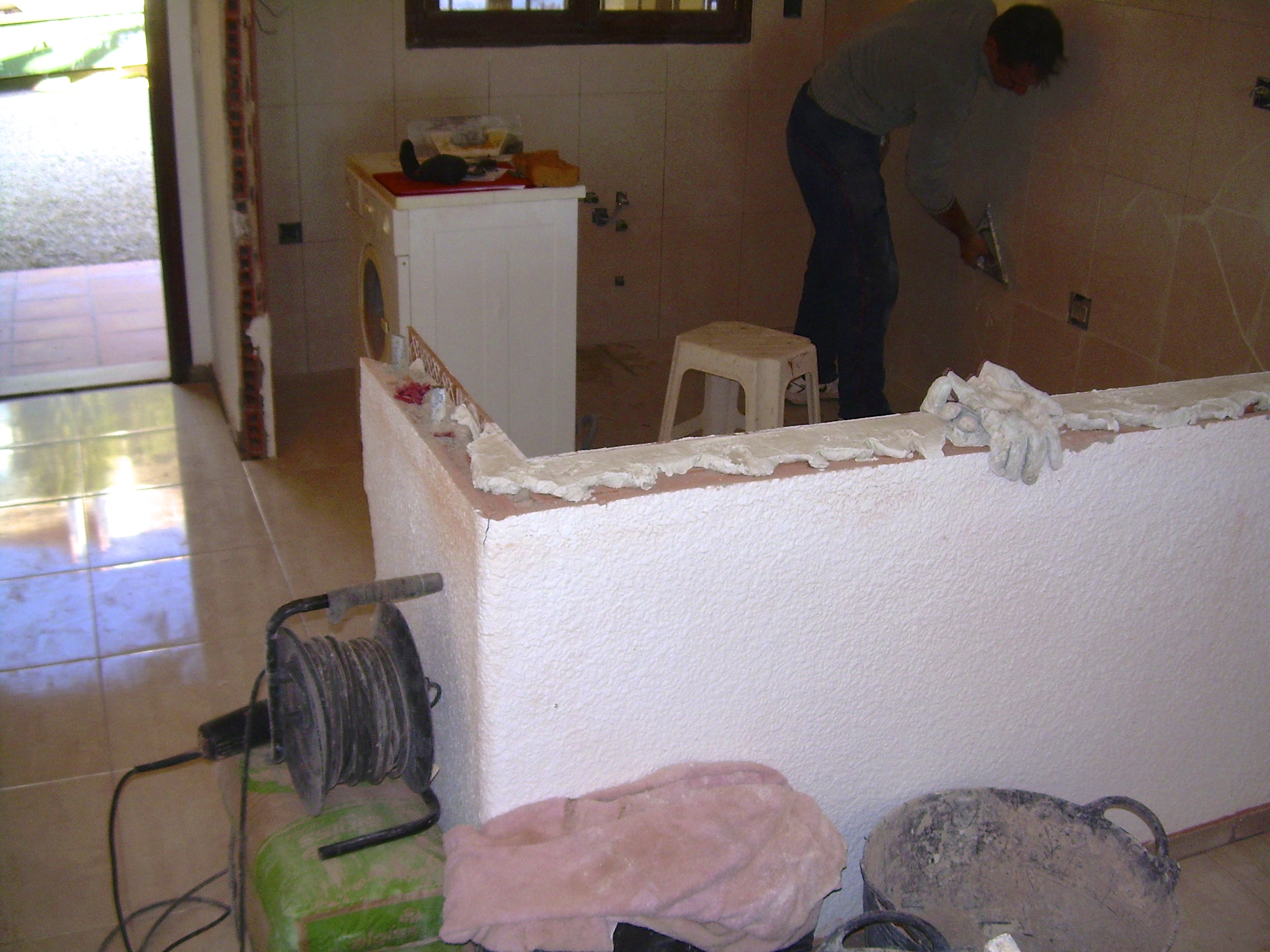 modifying the kitchen in Altea