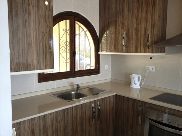 finished installed kitchen in Altea